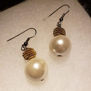 Vintage Pearl Earrings w/ Golden Coil